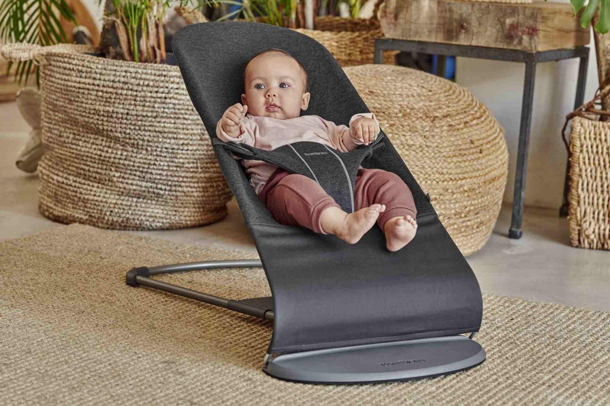BABYBJORN - leżaczek BLISS 3D Jersey - Szaroczarny + Nosidełko Mini 3D Jersey, Szaroczarny