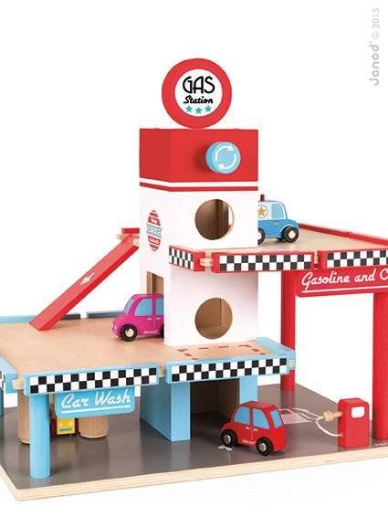 Janod - Stacja benzynowa garaż drewniany z 8 elementami