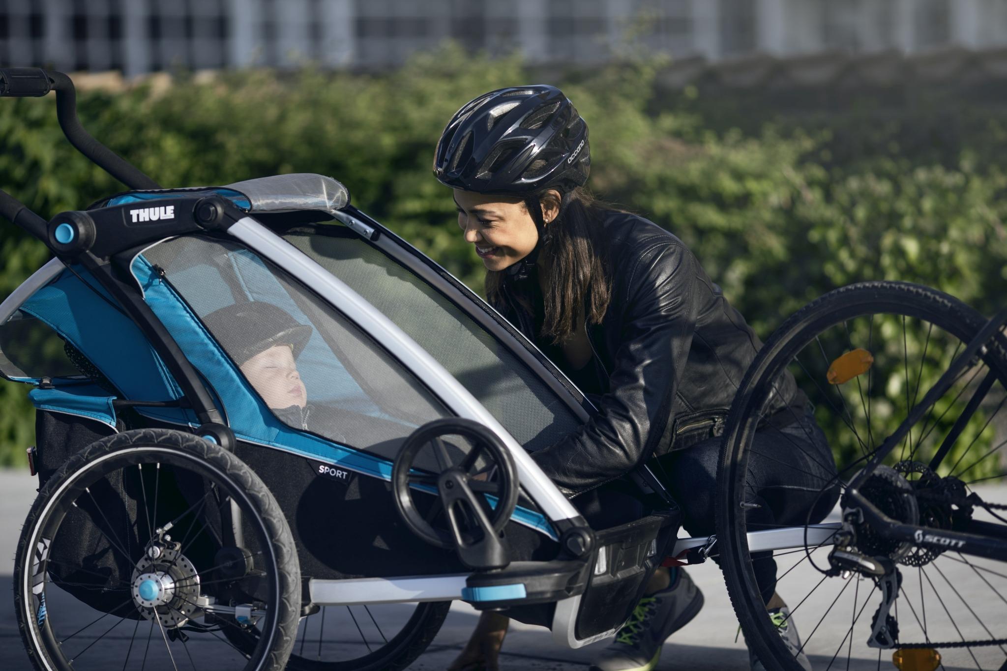 Przyczepka rowerowa dla dziecka - THULE Chariot Sport 1 - zielona/niebieska