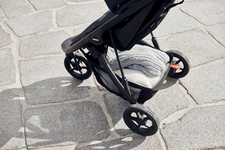 Wózek spacerowy Thule Spring Black Shadow Grey